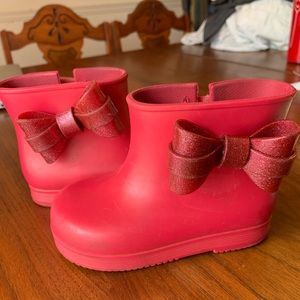 Mini Melissa pink short rain boot w/ bow size 7/8